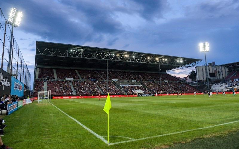 CFRクルジュがドローンメーカーとスタジアム命名権を含む大型契約を締結
